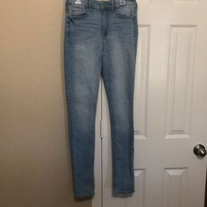 Hollister super skinny high rise jeans size 26-31